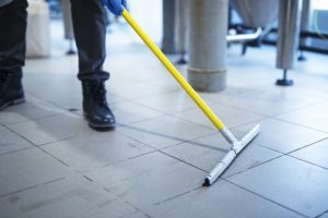 איך לשטוף רצפה בקלות